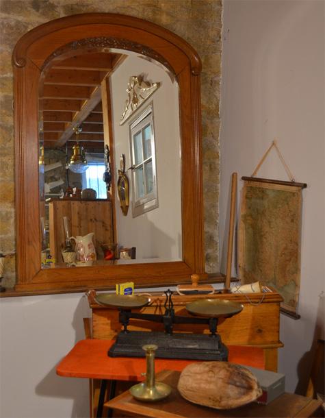 grand miroir ancien des ann es 30 en chataignier. Black Bedroom Furniture Sets. Home Design Ideas