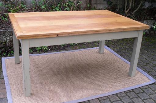 tr s belle grande table rectangulaire aves 2 allonges. Black Bedroom Furniture Sets. Home Design Ideas