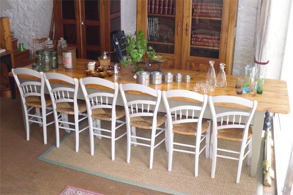 la table en boutique 14 convives sur chaises - Grande Table