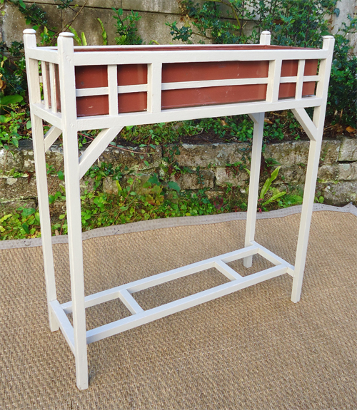Ancien mobilier de jardin vendu par la boutique d\'antiquités du coté ...