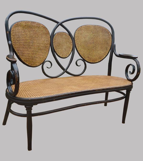 kohn jacob joseph canap ancien en bois courb et assise. Black Bedroom Furniture Sets. Home Design Ideas