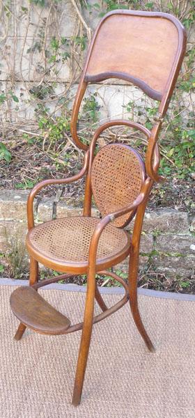 tr s belle ancienne chaise haute por enfant label j j kohn. Black Bedroom Furniture Sets. Home Design Ideas