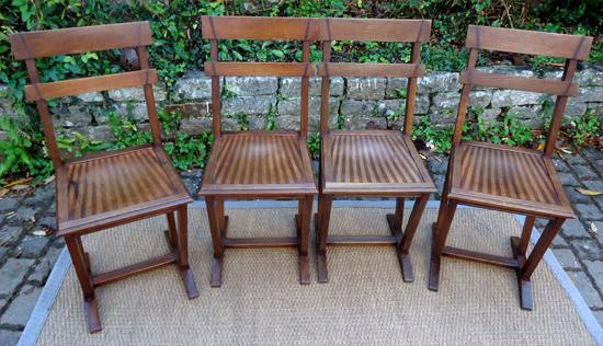 rare ensemble de bistrot une table et quatre chaises luterma. Black Bedroom Furniture Sets. Home Design Ideas
