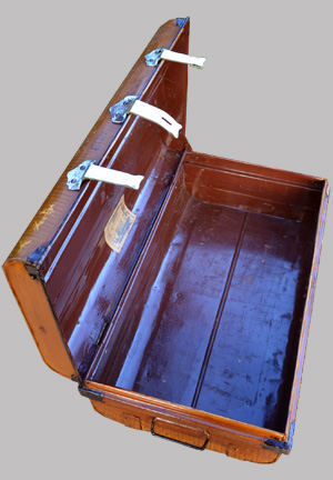 malle m tallique fabriqu e rangoon birmanie par oriental steel trunk company. Black Bedroom Furniture Sets. Home Design Ideas