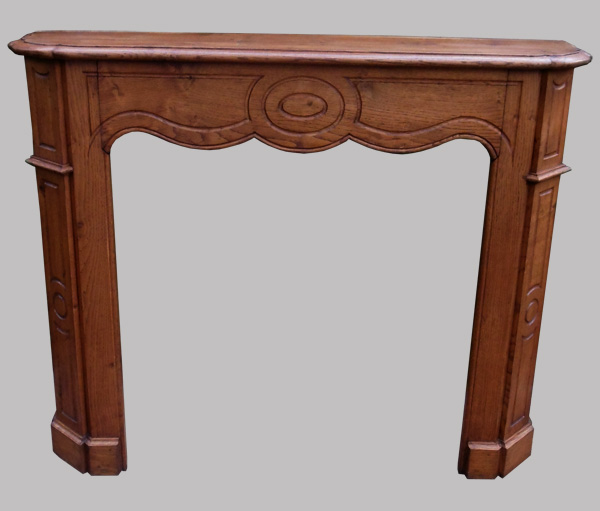 classique manteau de chemin e ancien en bois naturel. Black Bedroom Furniture Sets. Home Design Ideas