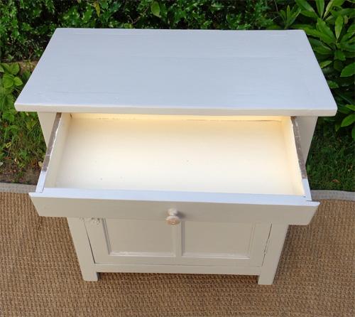 Tr s petit meuble bas 1 porte 1 tiroir for Petit meuble une porte un tiroir