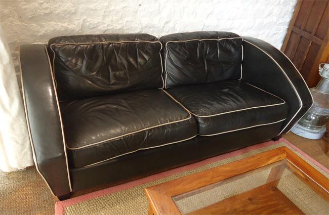 le sofa de l 39 ensemble canap et fauteuil de l 39 diteur am ricain thayer coggin et milo baughman. Black Bedroom Furniture Sets. Home Design Ideas