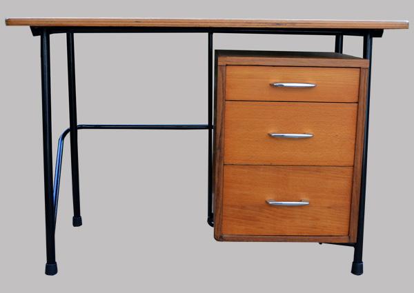 Petit bureau d 39 enfant avec un caisson 3 tiroirs for Petit caisson a tiroir