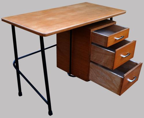 Petit bureau d 39 enfant avec un caisson 3 tiroirs for Petit bureau tiroir