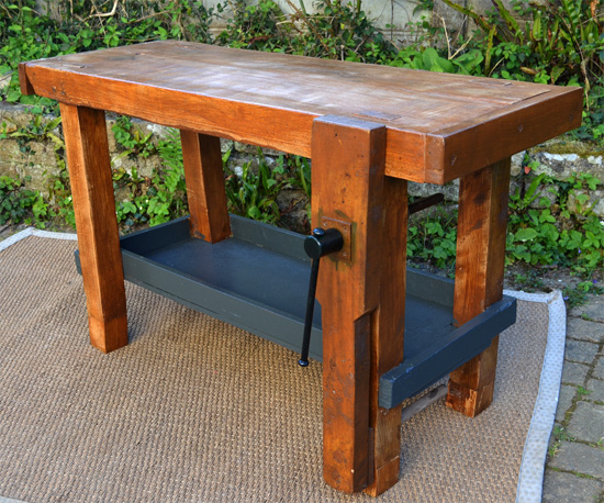 petit tabli de menuisier ancien. Black Bedroom Furniture Sets. Home Design Ideas