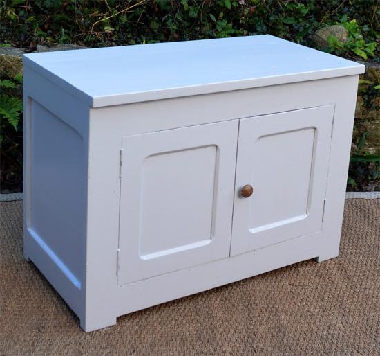 Petit meuble bas pour rangement for Petit meuble bas en bois