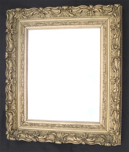 Petite glace ancienne entourage en stuc dor d cor d for Petit miroir dore