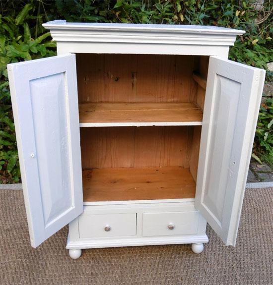 meuble ancien avec ses 2 portes ouvertes - Petite Armoire Ancienne