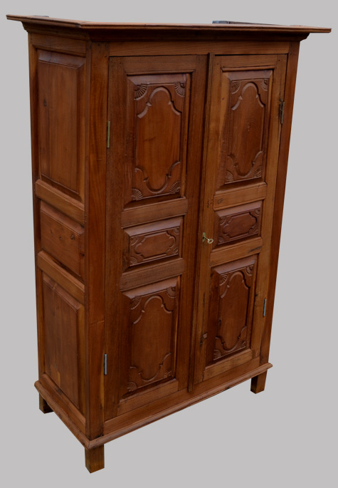 jolie petite armoire ancienne en teck compagnie des indes. Black Bedroom Furniture Sets. Home Design Ideas
