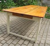 Tables anciennes en bois peint vendues par fabienne blondiau for Table salle a manger ancienne