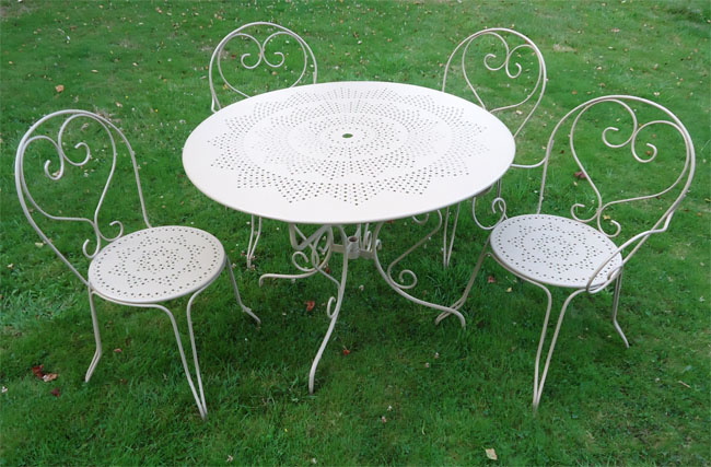 Table de jardin ronde en fer forg - Table de jardin fer forge ...