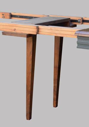 Table carr e avec possibilit d 39 allonges centrales for Table qui s allonge