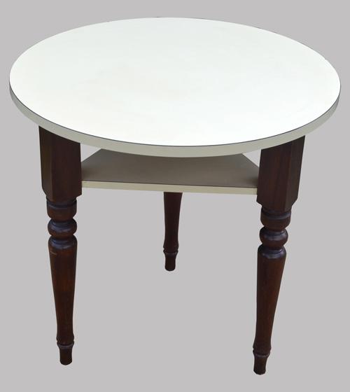 Pratique petite table ronde tripode plateau et tablette en for Petites tables rondes