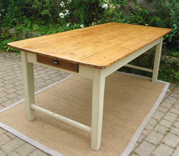 Belle longue table ancienne rectangulaire peinte et patin e for Table bois ancienne rectangulaire