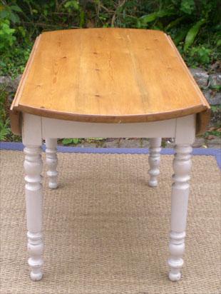Belle table de cuisine ancienne volets avec plateau bois for Petite table de cuisine en bois