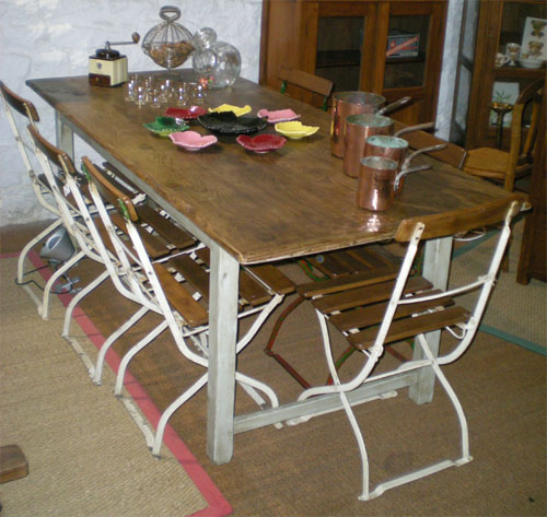 authentique table rustique ancienne antiquit s table rustique ancienne pieds droits. Black Bedroom Furniture Sets. Home Design Ideas