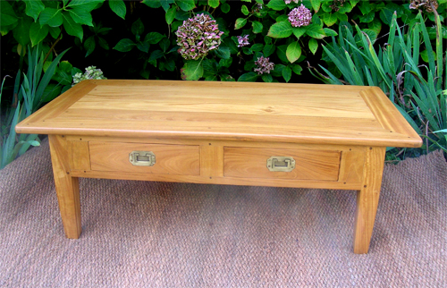 Tr s jolie table basse pour salon en bois de citronnier - Table de salon antique ...