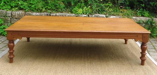 large table basse ancienne en teck origine inde. Black Bedroom Furniture Sets. Home Design Ideas