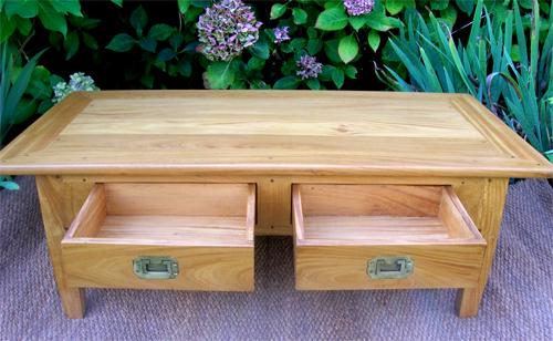 tr s jolie table basse pour salon en bois de citronnier. Black Bedroom Furniture Sets. Home Design Ideas