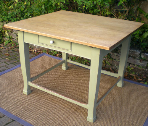 Ancienne table billot de cuisine de forme carr e plateau h tre for Table cuisine originale