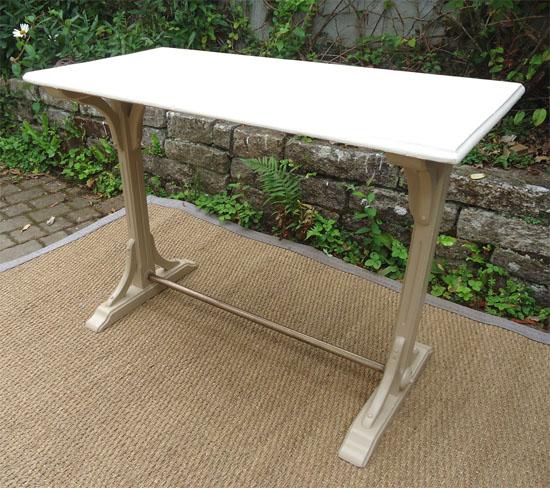 Authentique Ancienne Table De Bistrot Avec Dessus En Formica
