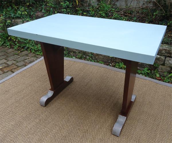 Jolie table bistrot des ann es 1960 plateau formica bleu ciel for Table de cuisine formica