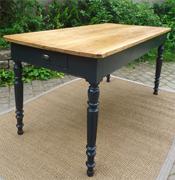 Tables anciennes en bois peint vendues par fabienne blondiau for Table bois ancienne rectangulaire