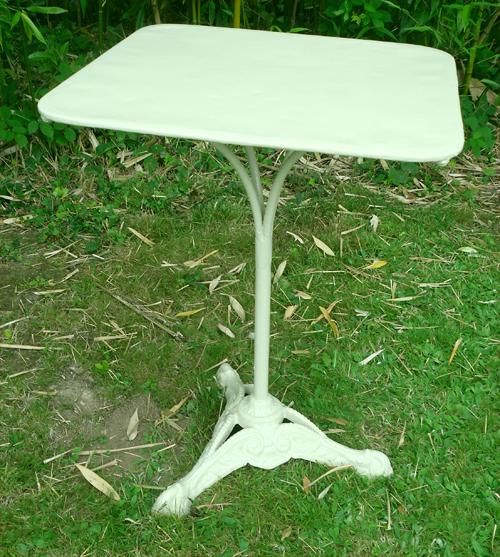Petite table carr e jardin ann es 1930 plateau galvanis for Table exterieur fonte