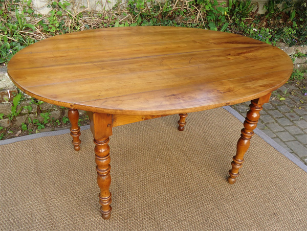 Tr s belle grande table ancienne ovale en merisier avec 3 for Table ovale allonge