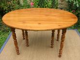 table ancienne de forme ovale en bois fruitier 6 pieds avec allonges. Black Bedroom Furniture Sets. Home Design Ideas