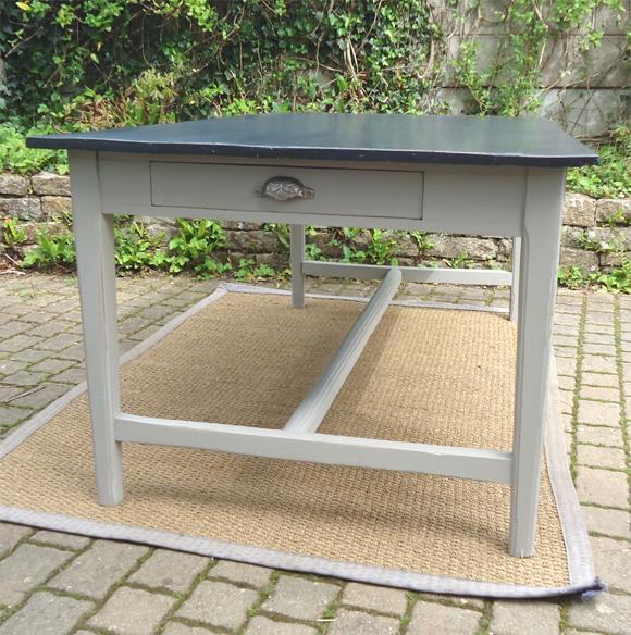 Belle table ancienne rectangulaire pratique et for Table bois ancienne rectangulaire