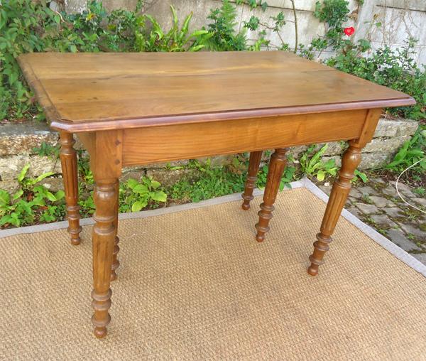 belle table rectangulaire ancienne en chataignier avec allonges. Black Bedroom Furniture Sets. Home Design Ideas