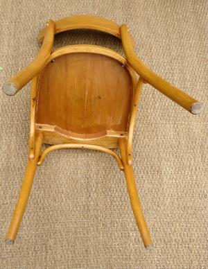 mobilier table dessous de chaise. Black Bedroom Furniture Sets. Home Design Ideas