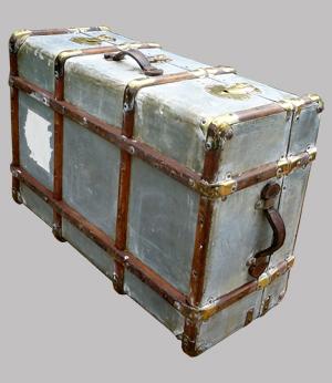 Valises anciennes avec renforts en bois et laiton poign es de portage - Valise en bois ancienne ...