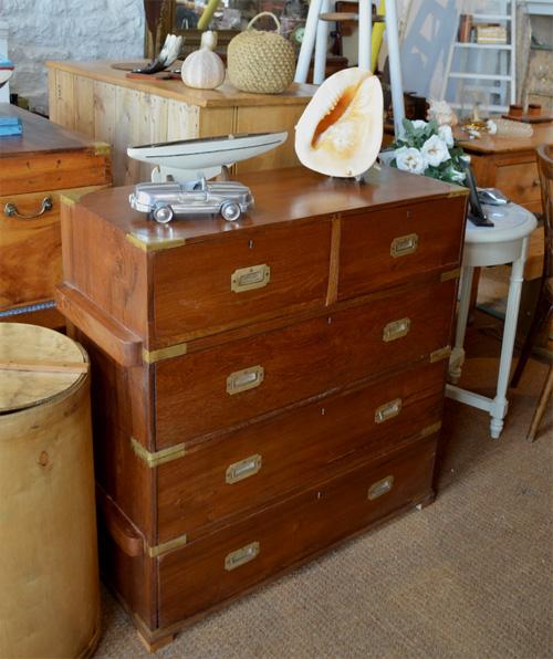 commode de bateau ancienne en teck d 39 un officier de marine de la compagnie des indes. Black Bedroom Furniture Sets. Home Design Ideas