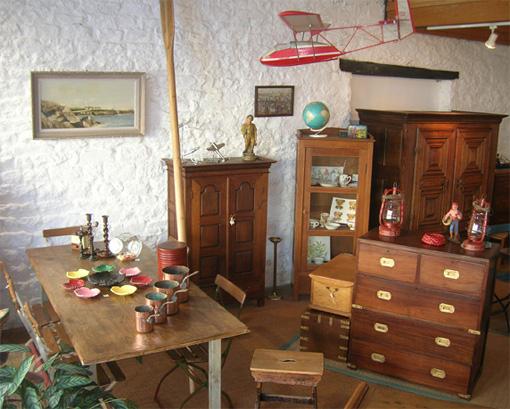 viitrines 2008 commerce pont l 39 abb meubles anciens et contemporains pont l 39 abb 29. Black Bedroom Furniture Sets. Home Design Ideas