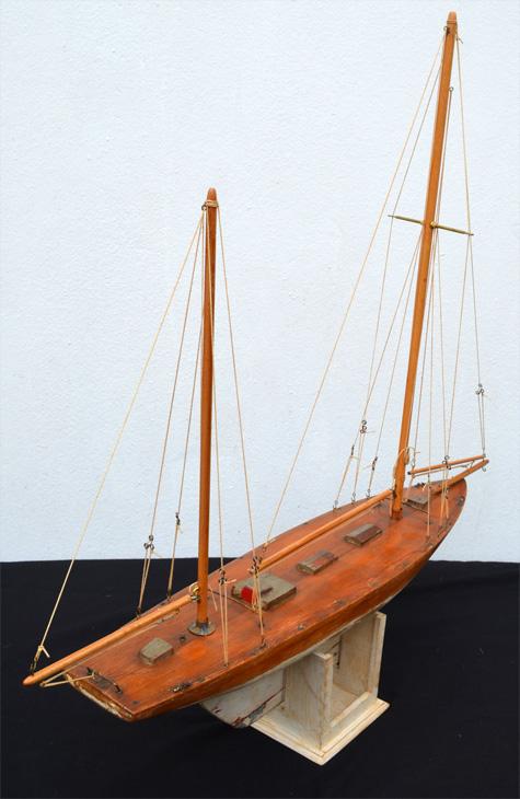Maquette voilier de bassin avec sa coque lest e - Voilier de bassin ancien nanterre ...