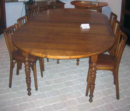 table ronde merisier table ronde louis philippe belle table ronde bois clair. Black Bedroom Furniture Sets. Home Design Ideas